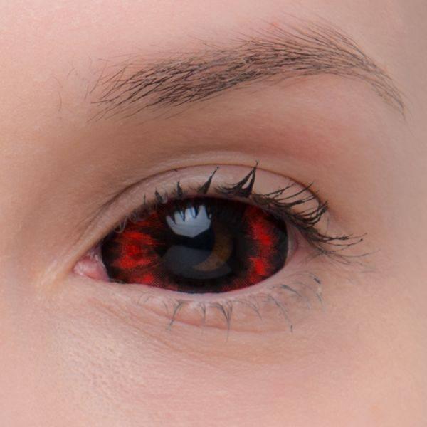 Черные линзы на весь глаз: название, особенности выбора и ношения, обзор, материалы, цена, особенности эксплуатации