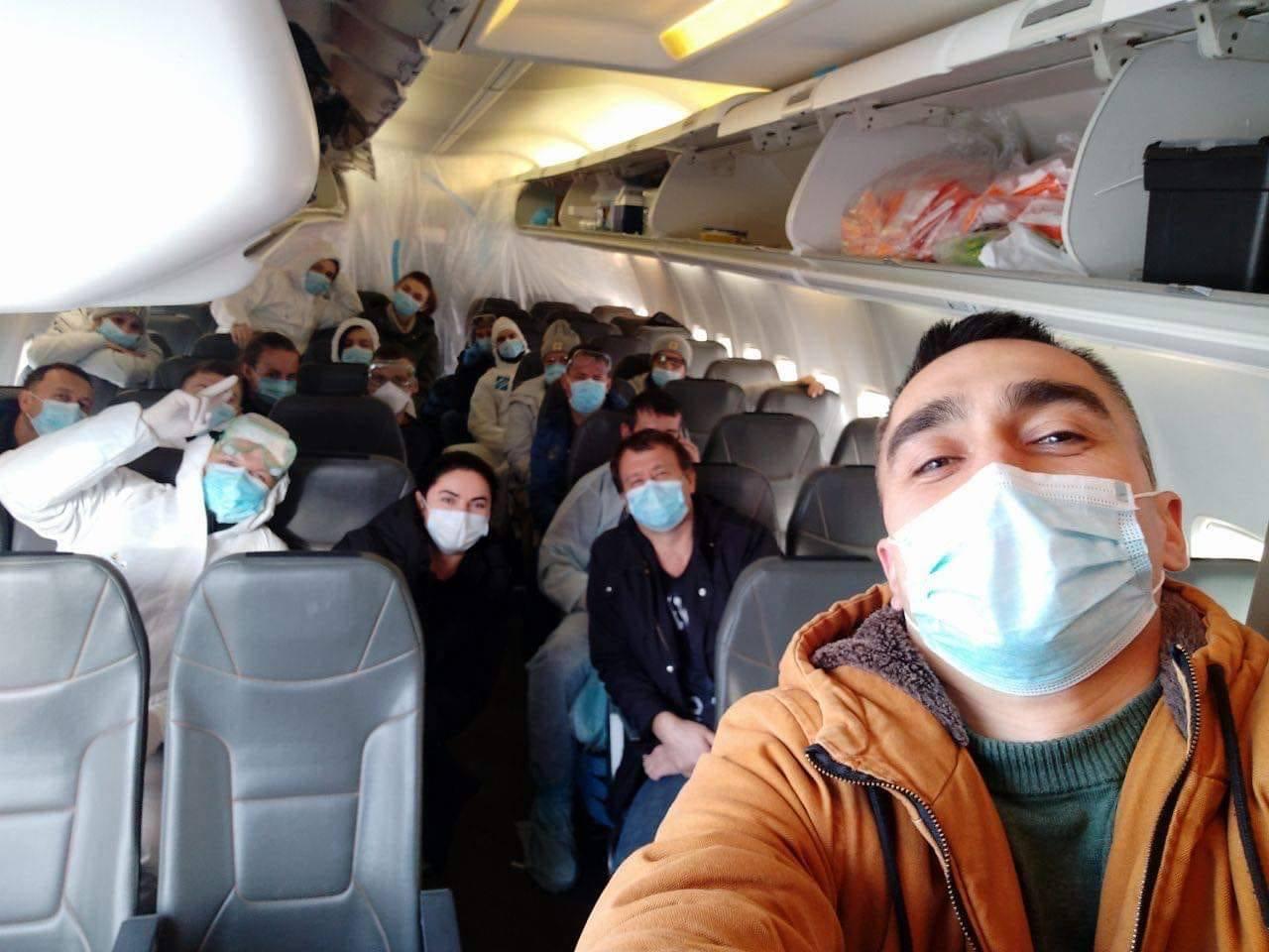 Болеть в самолете лучше по правилам: советы авиапутешественникам