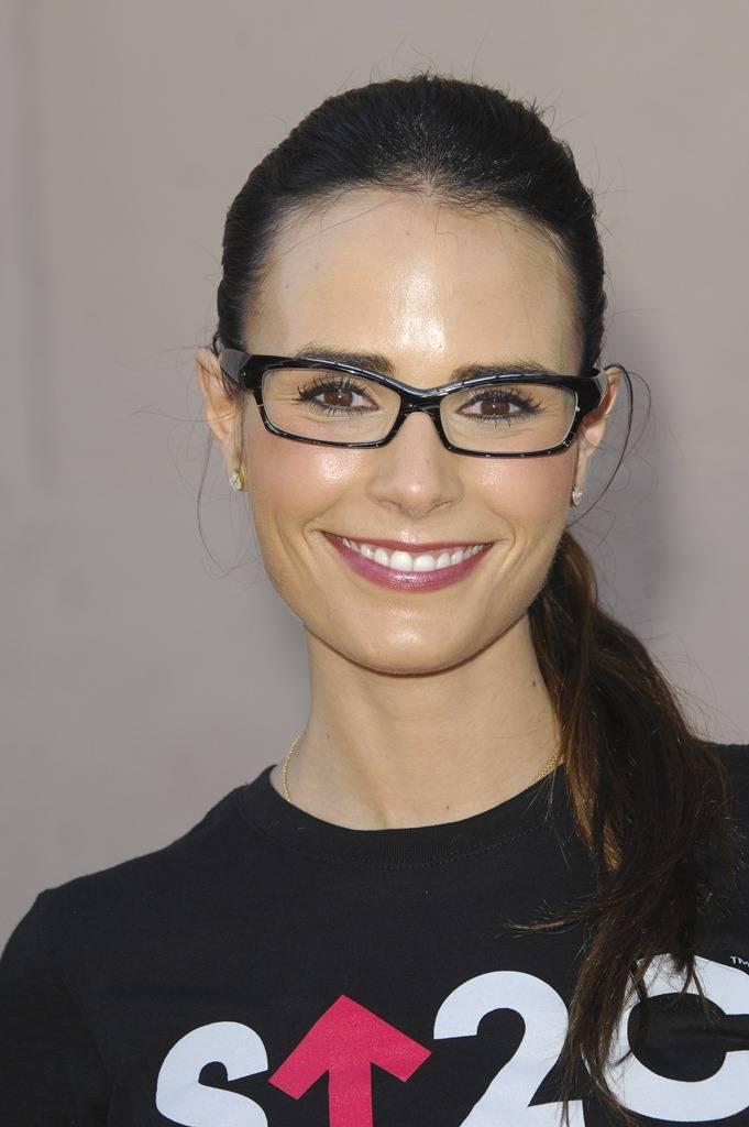 Солнечные очки знаменитостей, что носят иконы стиля?