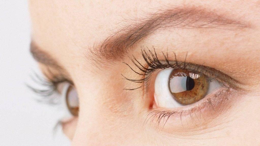 Звездочки в глазах: причины, характерные симптомы, почему появляются