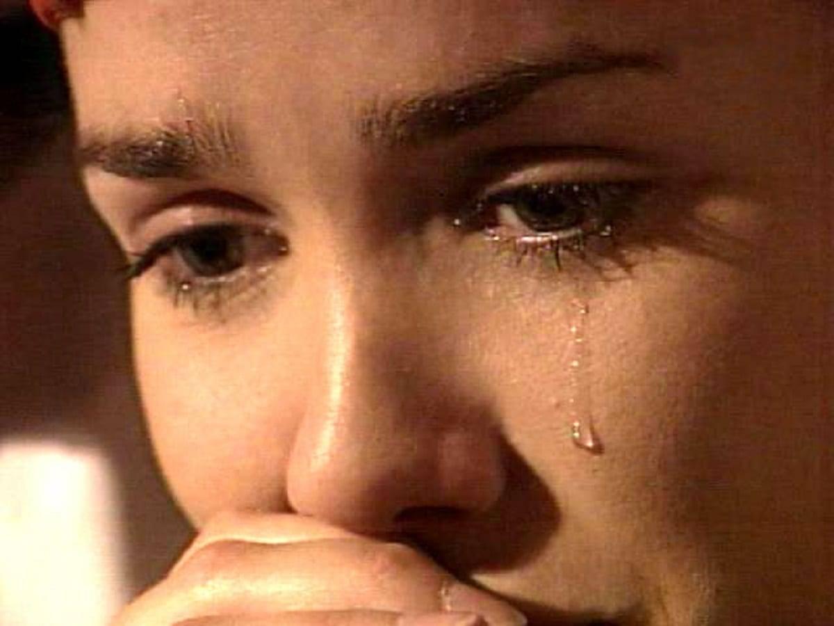 Как заплакать специально и быстро: советы для актеров и не только