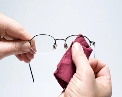 Как ухаживать за очками для зрения: как почистить, как хранить
