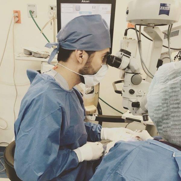 Как проходит операция при макулярном разрыве сетчатки глаза и особенности периода восстановления