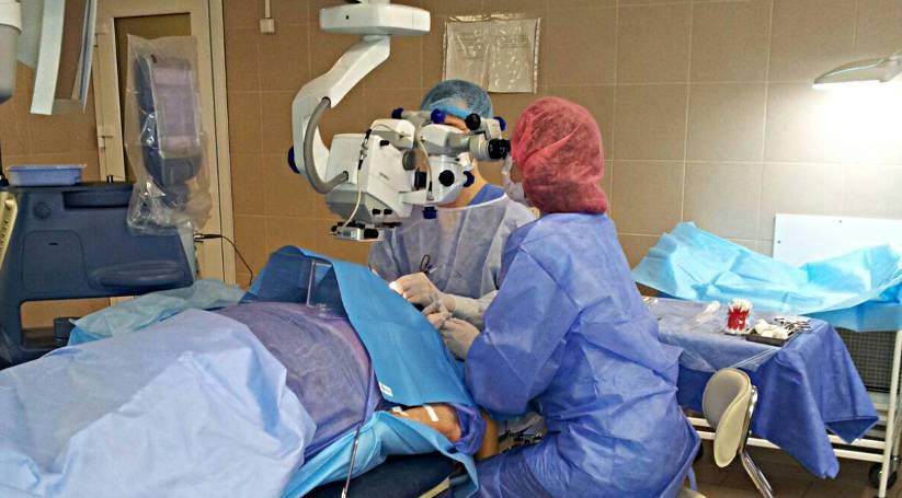 Кому проводиться экстракция катаракты? эффективна ли операция с имплонтацией иол