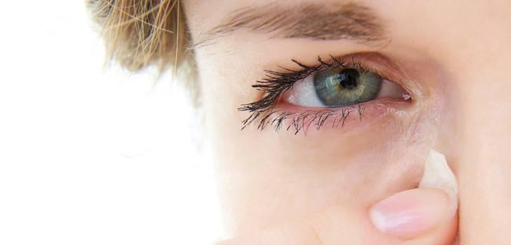 Глаза болят и слезятся: что делать, когда они чешутся, причины недуга у взрослых, лечение