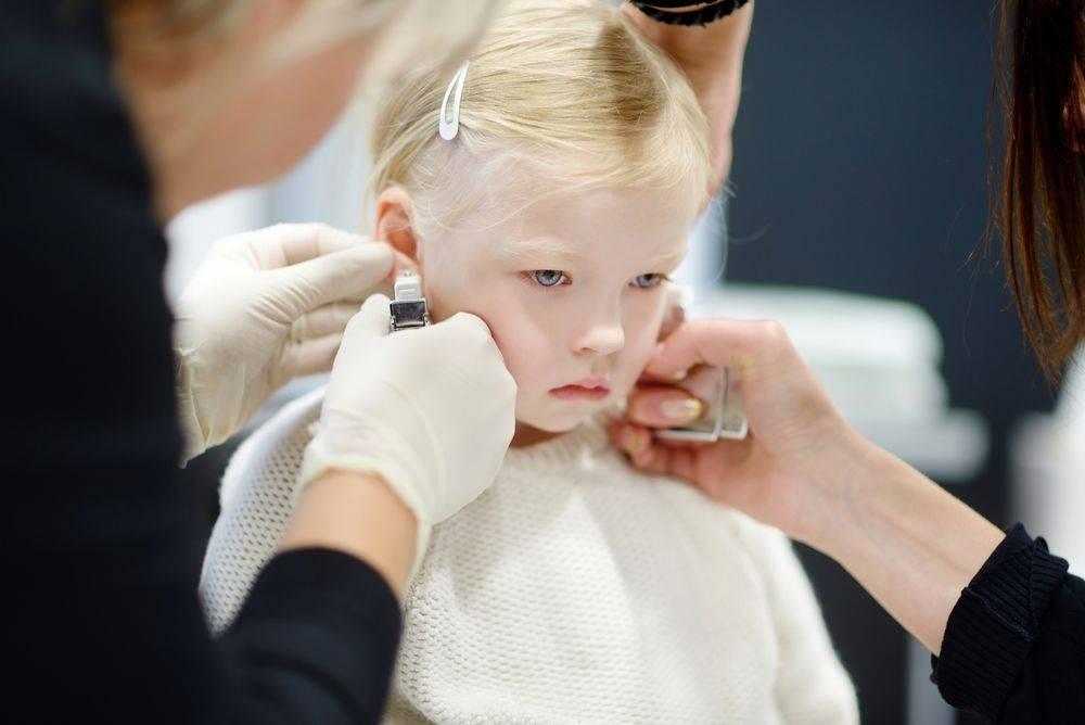 Прокол ушей – польза и вред. как правильно сделать? осложнения