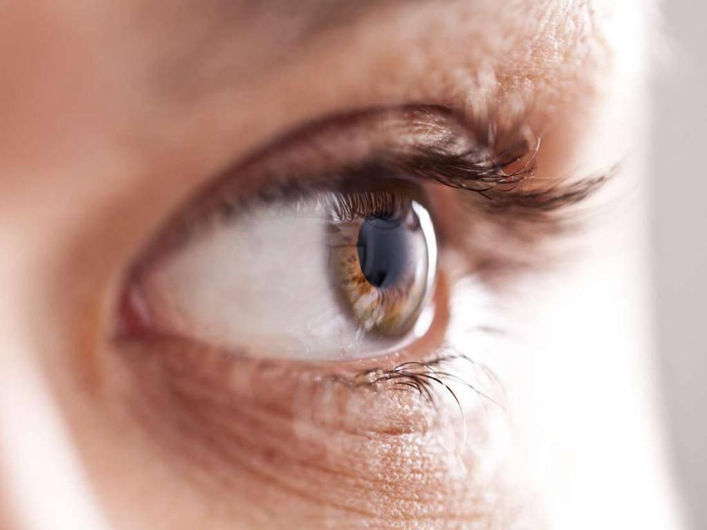 Мерцание в глазах – опасный ли это симптом?