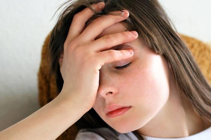 Почему темнеет в глазах и кружится голова когда встаешь: причины, норма и возможные болезни
