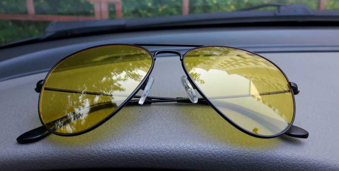 Желтые очки для польза и вред