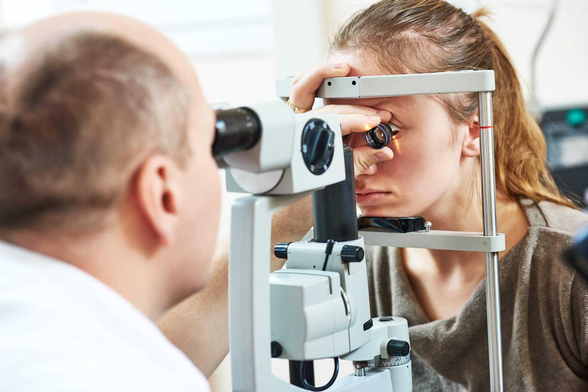 Офтальмолог или окулист — в чем разница между глазными врачами