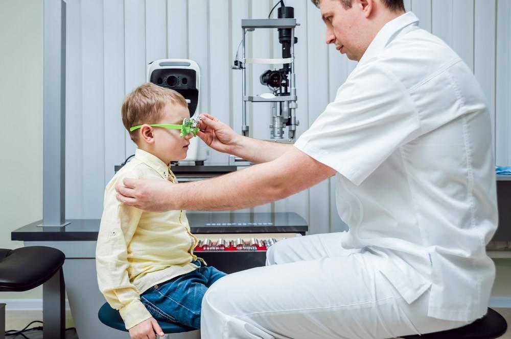 Врожденная близорукость (миопия) у детей - причины и лечение