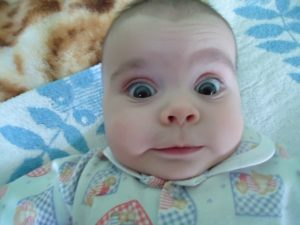 Закатывание глаз у детей и взрослых: что это такое, причины, о чем говорит симптом