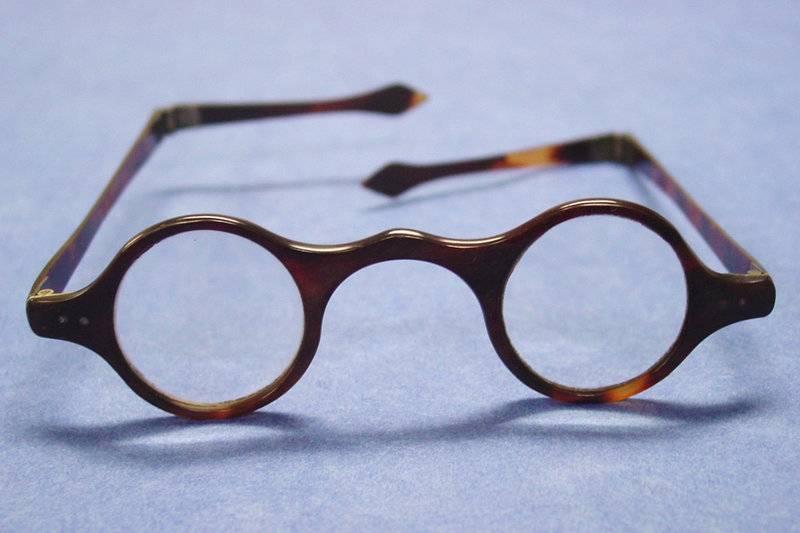 50 интересных фактов об очках — общенет