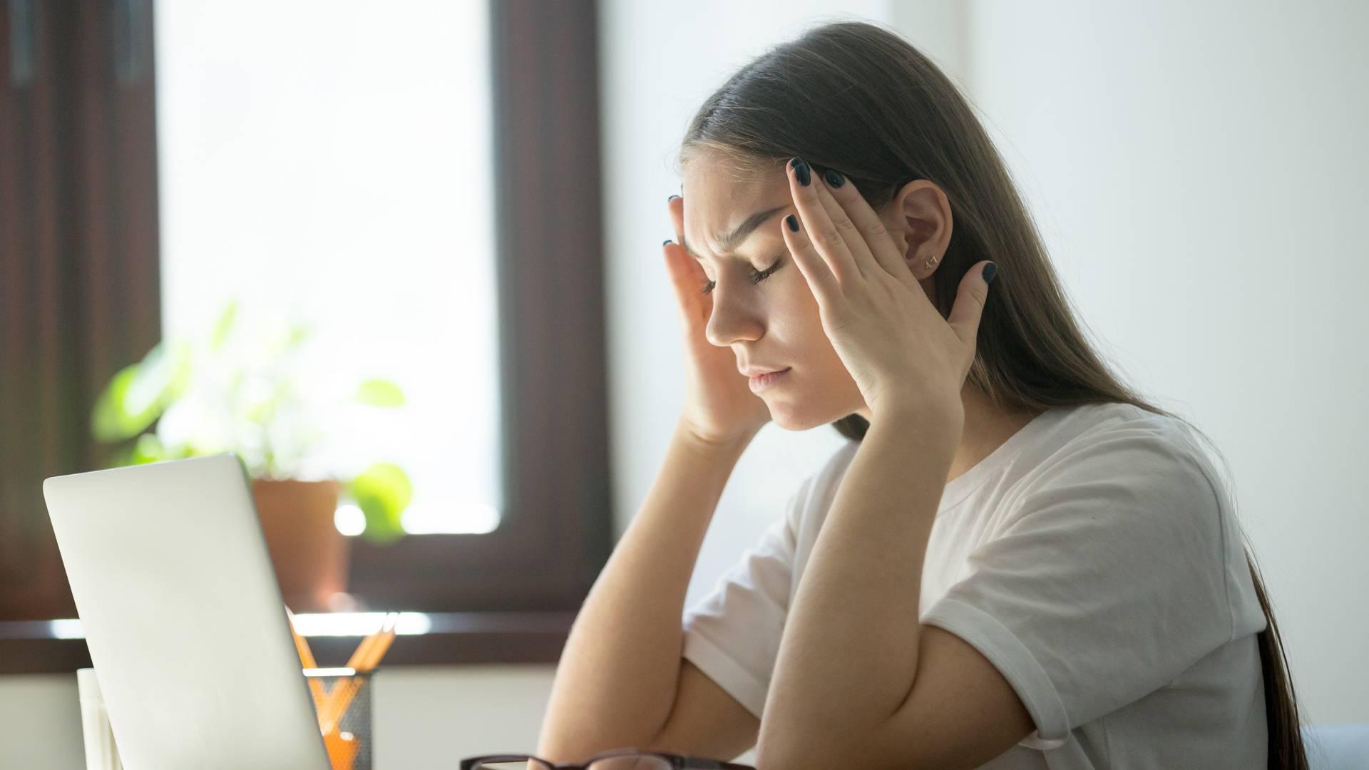 Что может вызывать ухудшение зрения и головную боль? - medical insider