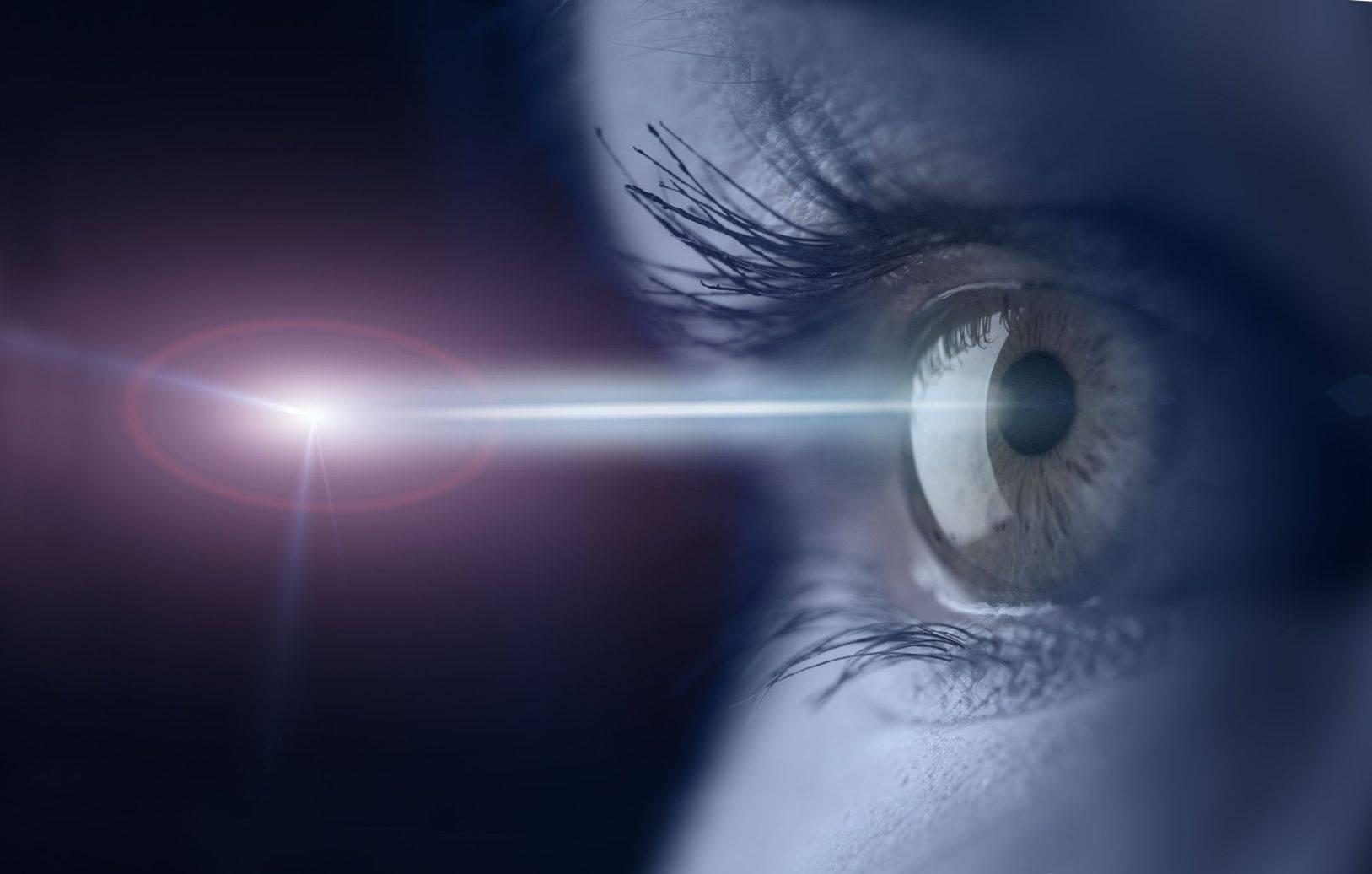 Фосфены в глазах: причины, симптомы и лечение