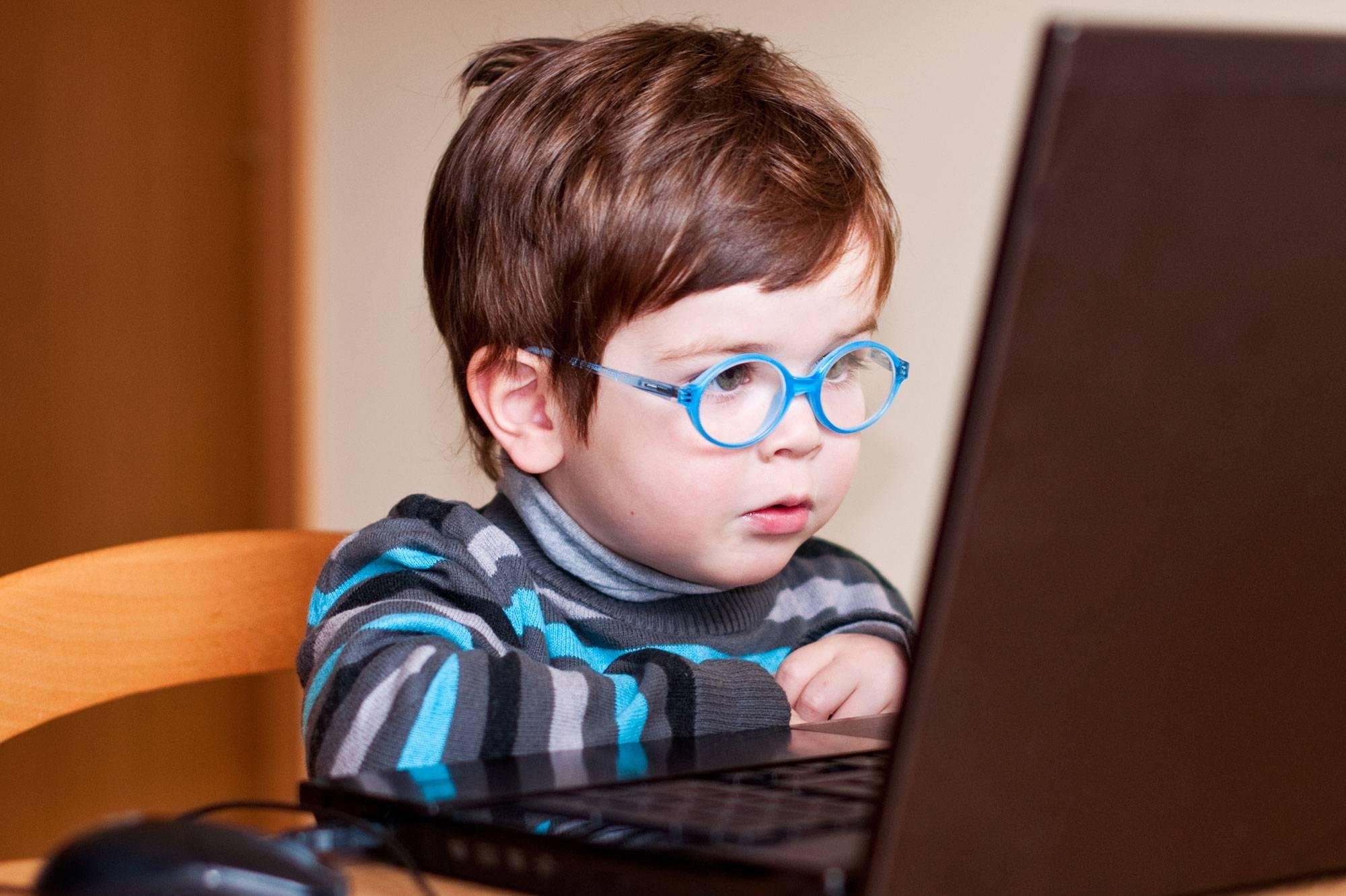 Почему болят и быстро устают глаза от компьютера