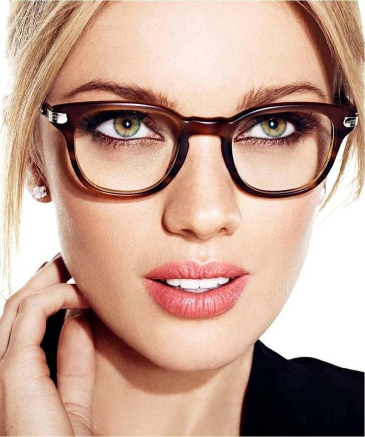 Имиджевые очки с прозрачными стеклами: особенности, модели и отзывы