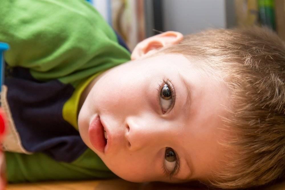 Конъюнктивит и температура у ребенка: чем лечить заболевание на фоне орви (простуды), кашля, насморка (желтых и зеленых соплей)?