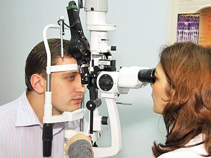 Как проводят оптическую когерентную томографию глаз