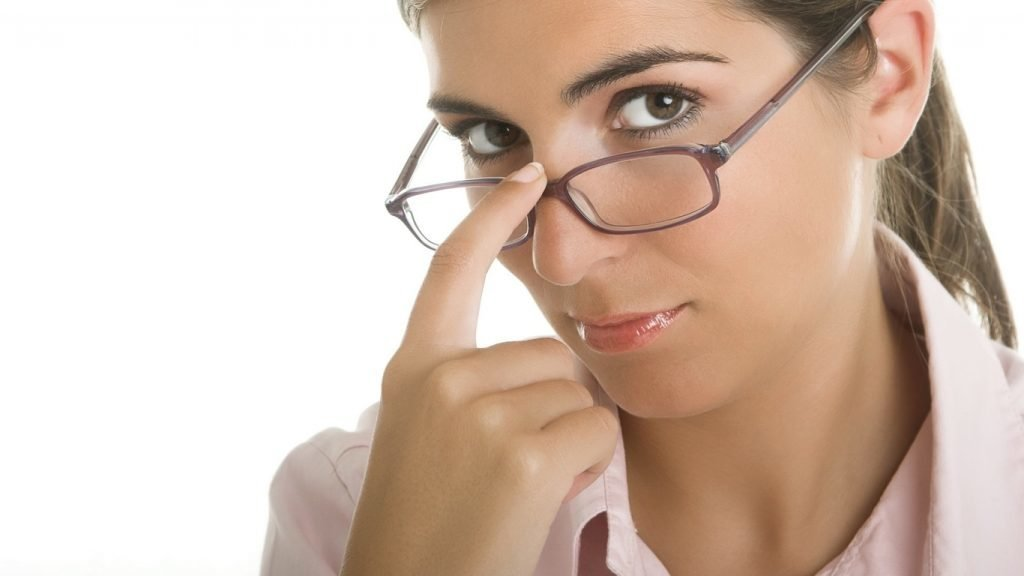 Только «оптика»: почему в поликлиниках перестали выписывать очки?