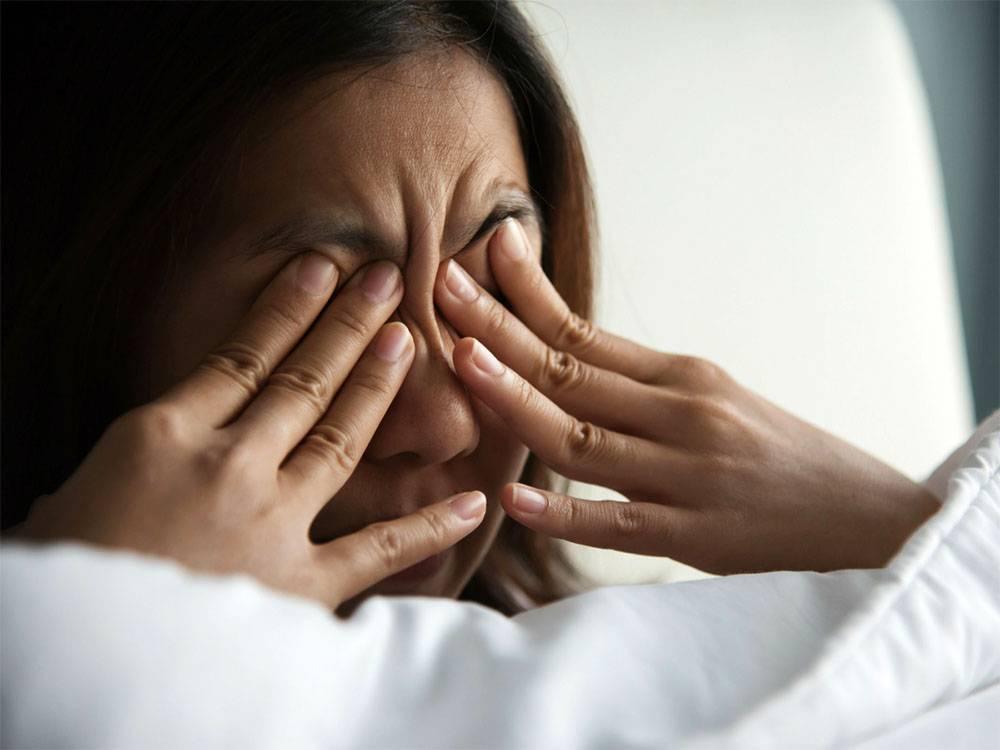 Миокимия (подергивание) глаз, века: причины и лечение