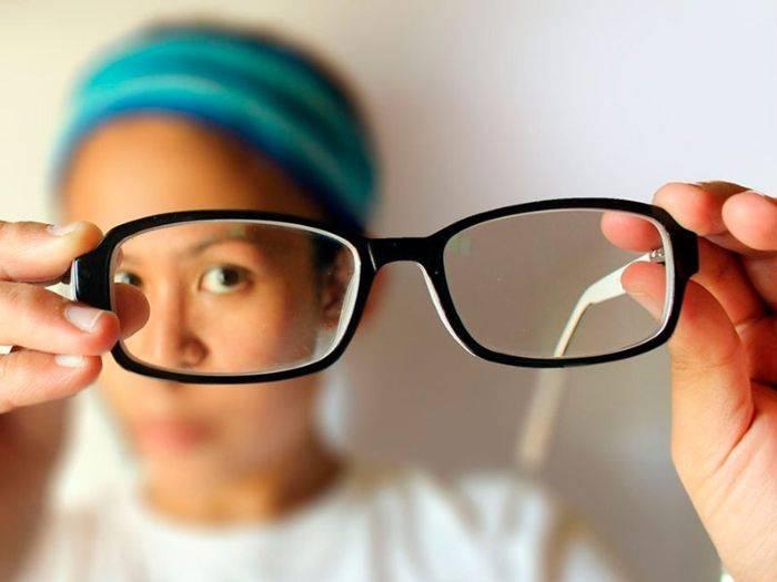 Причины потемнения в глазах: естественные, условно-патологические и болезнетворные
