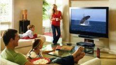 Почему пожилым людям вредно смотреть телевизор