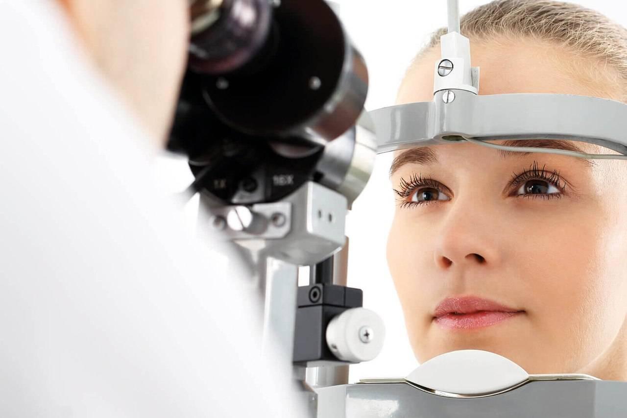 Окулист и офтальмолог: в чем разница и когда к ним обращаться