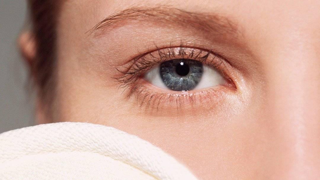Как убрать припухлость под глазом с одной стороны: 10 эффективных способов