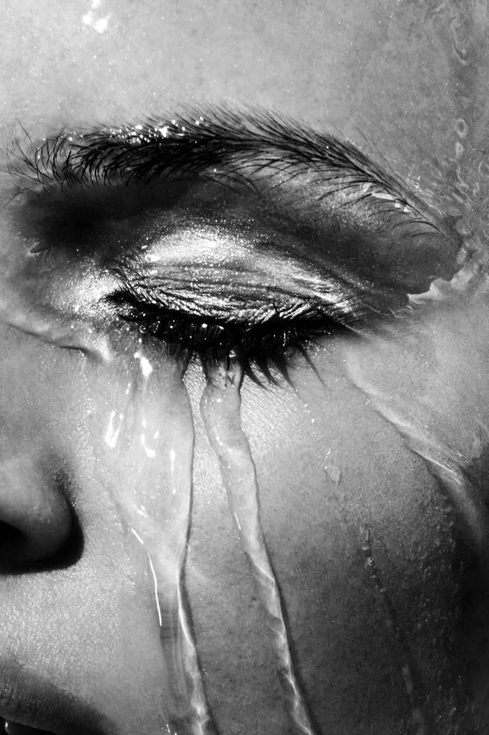 Много плакала болят глаза что делать