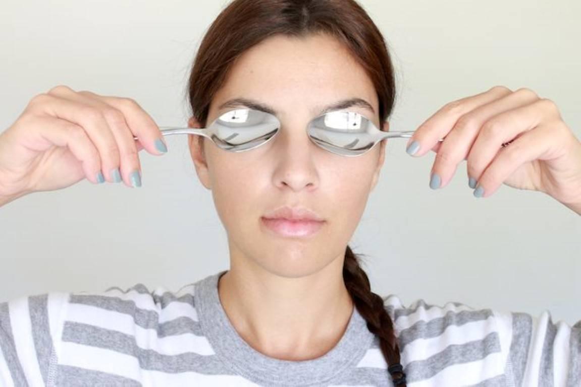 Как быстро избавиться от отеков и темных кругов под глазами в домашних условиях? :: polismed.com