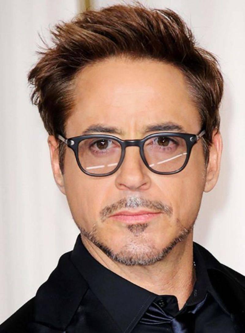 7 знаменитостей с плохим зрением