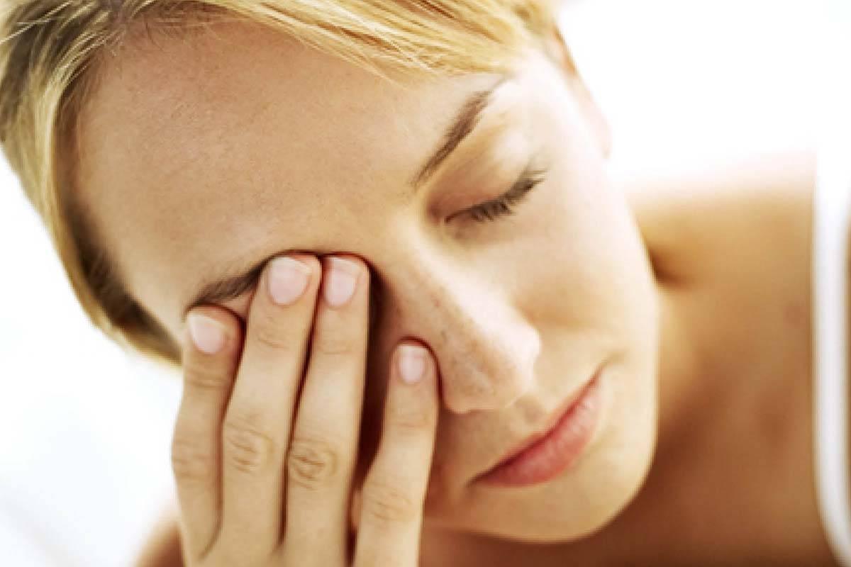 Нервный тик глаза: причины, лечение, что делать и как остановить