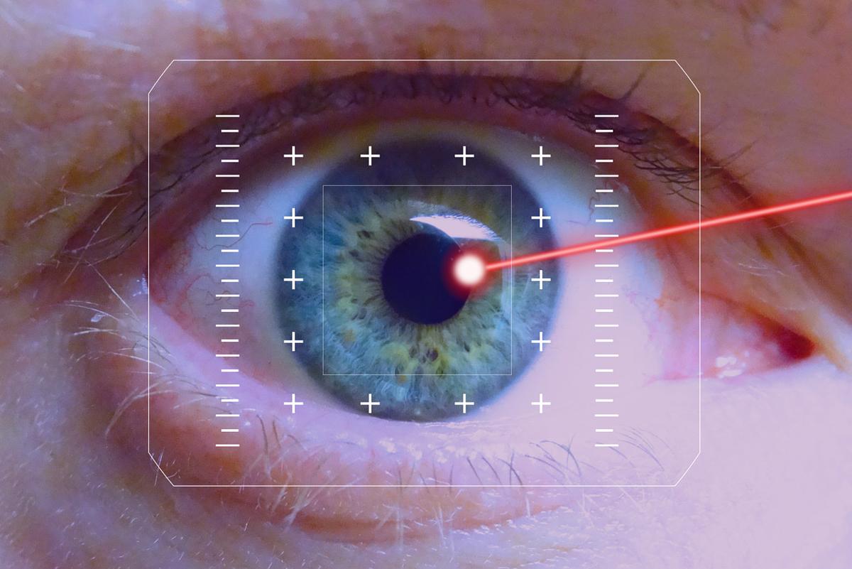 9 строгих ограничений: можно ли плакать после лазерной коррекции зрения, умываться без последствий?