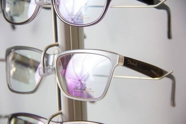 Бифокальные линзы: как такие очки влияют на зрение, преимущества и недостатки простых и двухфокусных стекол