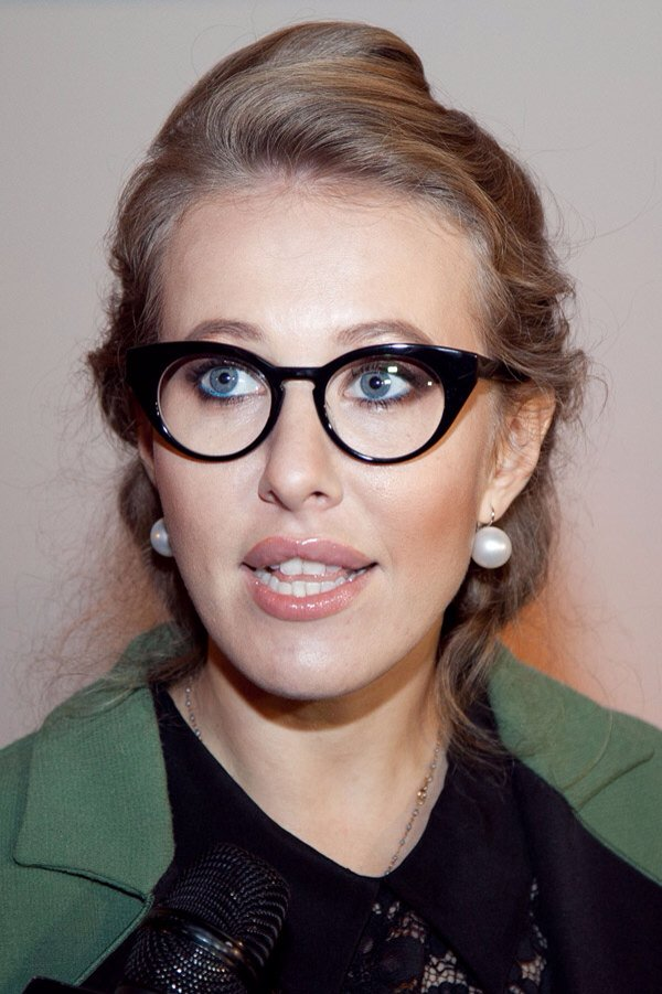 Знаменитости с плохим зрением: российские, голливуд, фото в очках - 24сми