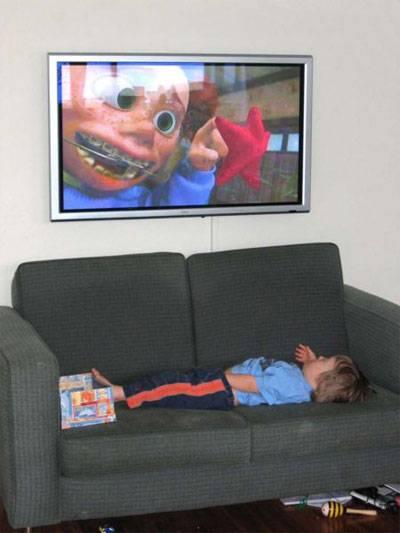 Как правильно смотреть телевизор: правила и рекомендации