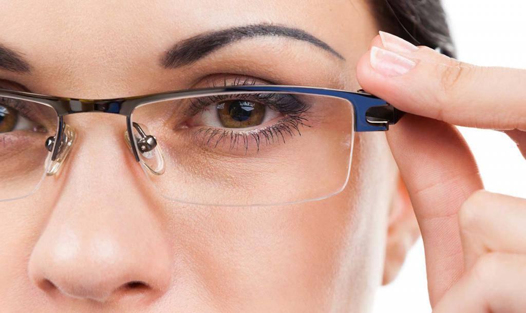 Как почистить стекла очков в домашних условиях, лучшие средства