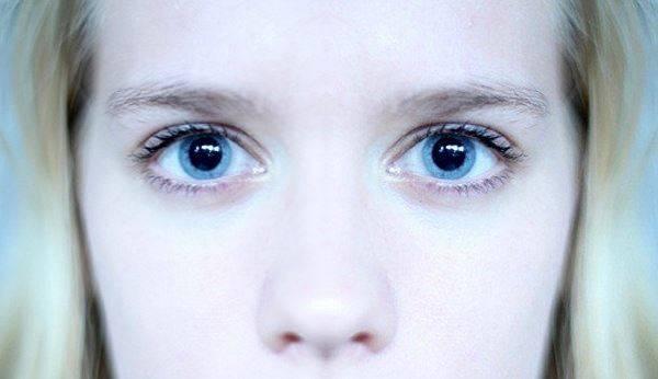 Расширенные зрачки у ребенка 2-3-4, 7-8-10 лет, у подростков. причины, что это значит, что делать