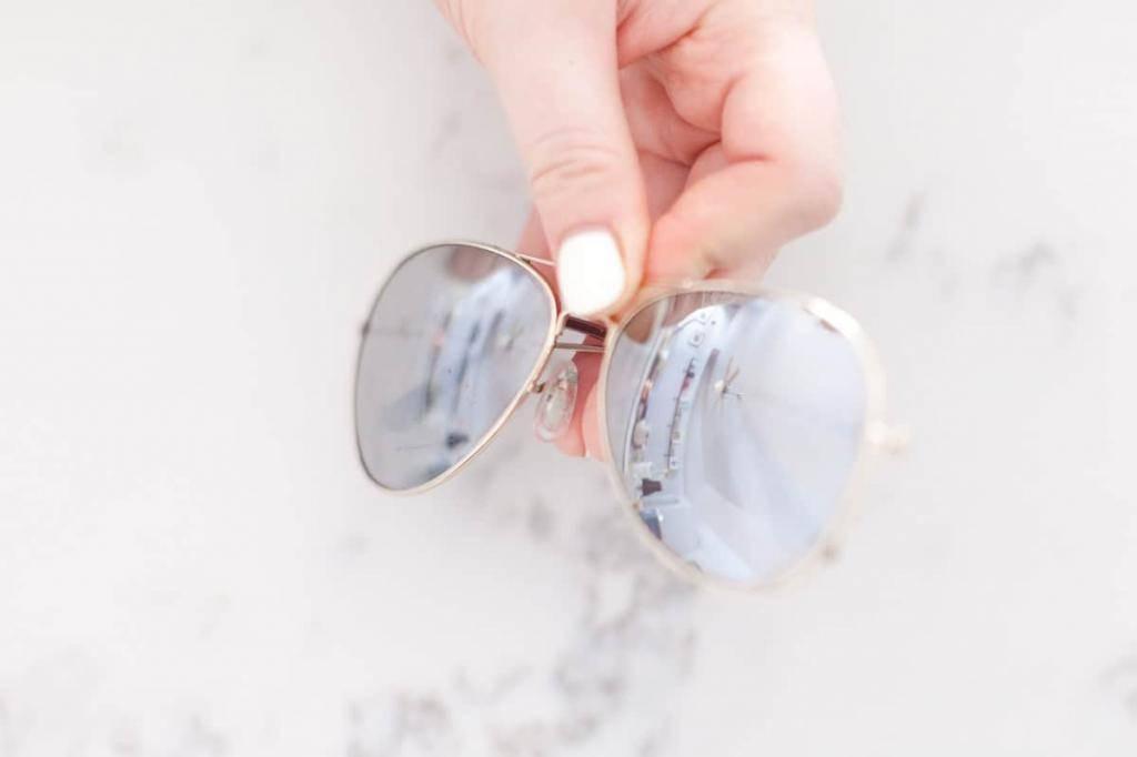 Чем протирать очки для зрения: лучшие способы