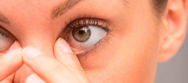 Можно одевать линзу при ячмене на глазу