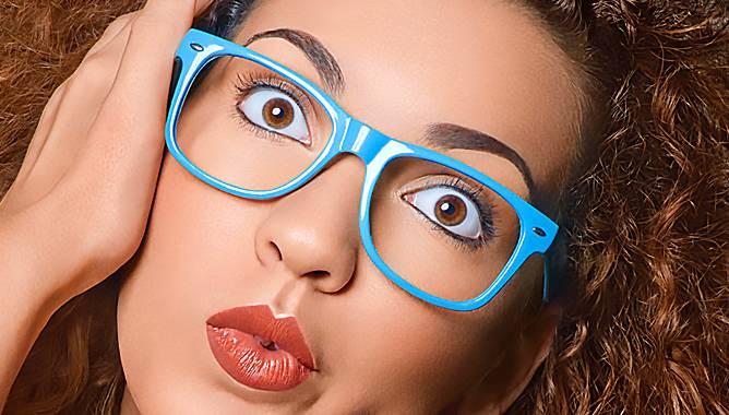 """Что значит пометка """"очки-линзы"""" в водительском удостоверении и как доказать гибдд, что водитель в линзах?"""