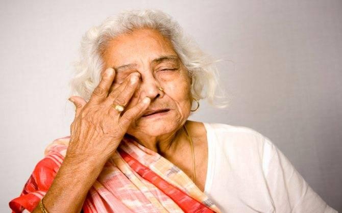 Слезятся глаза что делать? причины и лечение слезоточивости глаз у взрослых, детей и пожилых