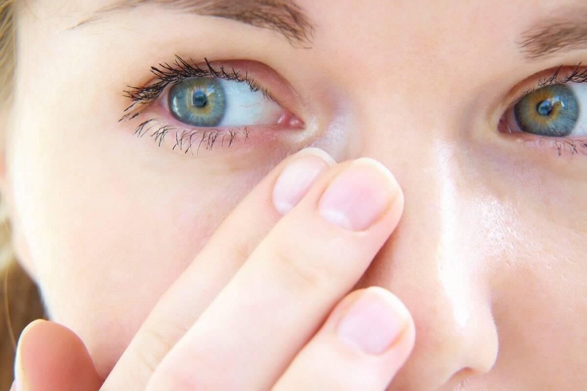 Болят глаза от света: причины почему возникает боль от яркого солнечного света