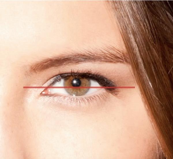 Макияж для опущенных уголков глаз (42 фото): как приподнять с помощью стрелок опущенные вниз глаза, как правильно красить