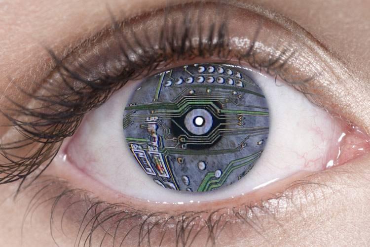 Бионический глаз — традиция