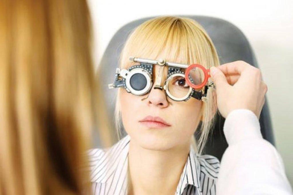Линзы при близорукости: можно ли носить и как правильно подобрать