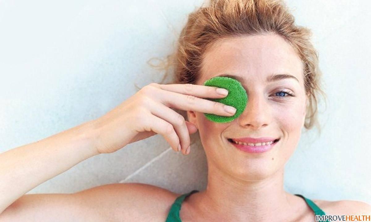 Как убрать синяки и круги под глазами: домашние средства