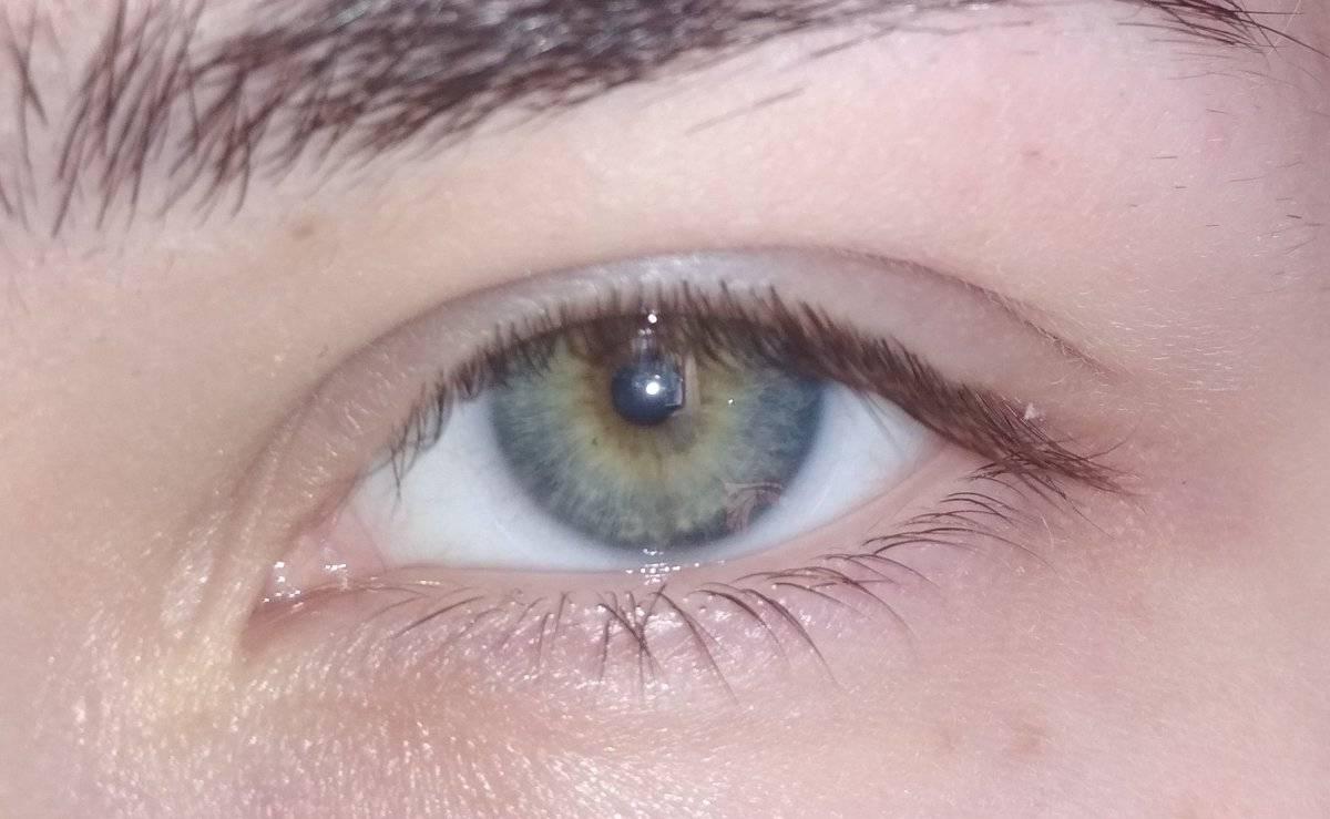 """Голубые глаза у мужчин и женщин - """"здоровое око"""""""