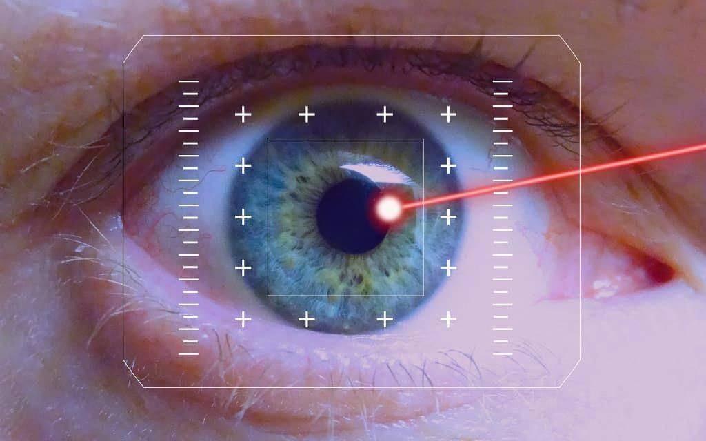 Коррекция близорукости лазером: с какого возраста, плюсы и минусы